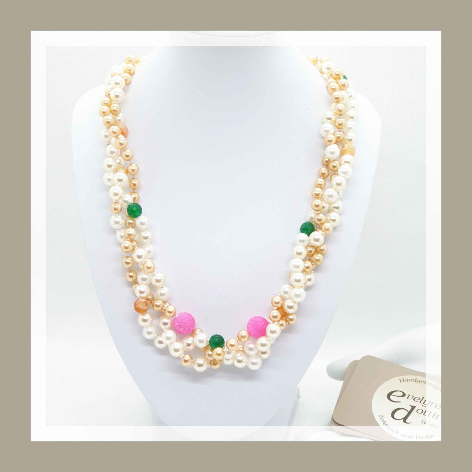 Perlenkette aus Omas Schmuck